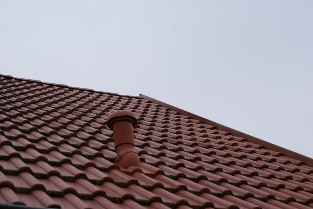 wygląd dachówki na dachu.JPG