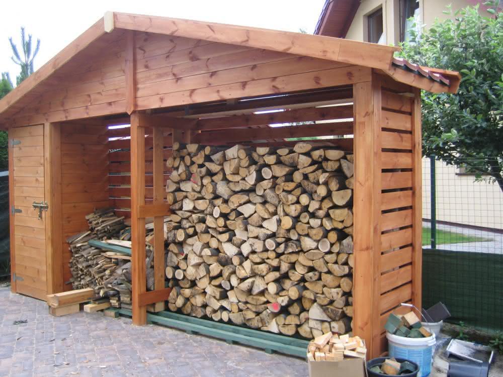 Baszka - drewutnia.jpg