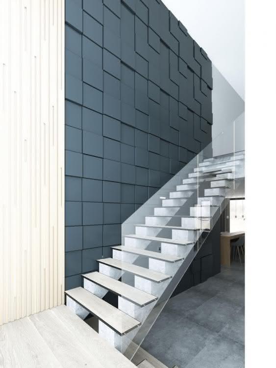 sciana-schody-dom-2.jpg