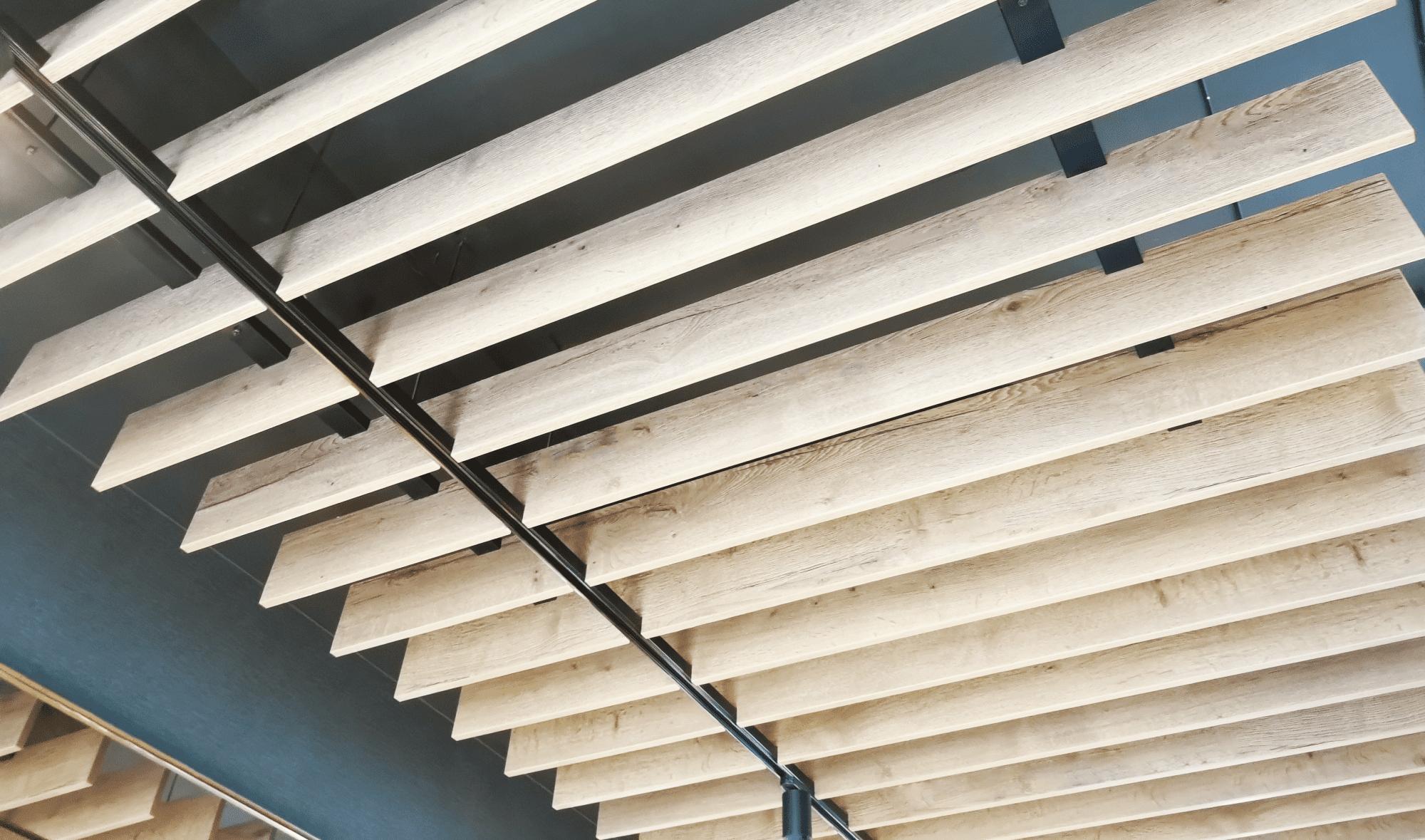 Deskilistwy Drewniane Pionowo Na ścianie Wykańczanie