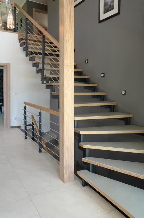 p172-schody-na-konstrukcji-metalowej-chudzinski-schody-001.jpg