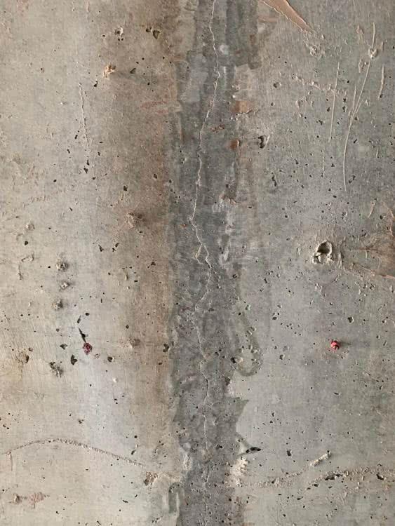 Beton od  dolnej czesci w garazu zeszlifowany (3).jpg