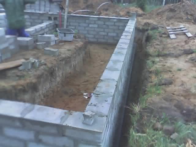 2007-05-31-ściany rosną jak na drożdżach.jpg