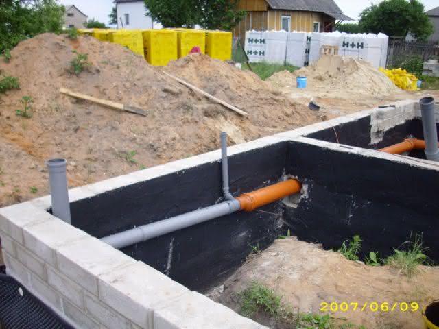 2007-06-09-kanalizacja podposadzkowa.jpg