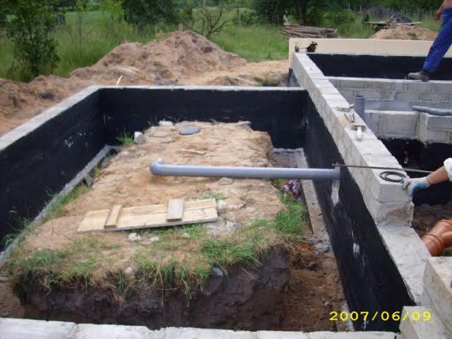 2007-06-09-kanalizacja w garażu.jpg