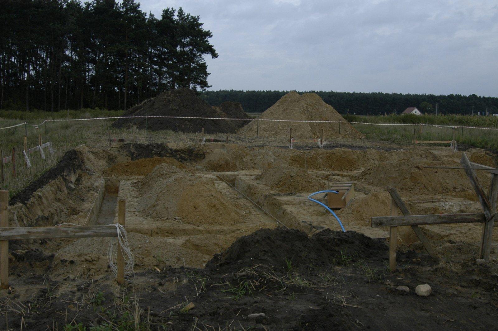Wytyczenie fundamentów - 29-08-2008