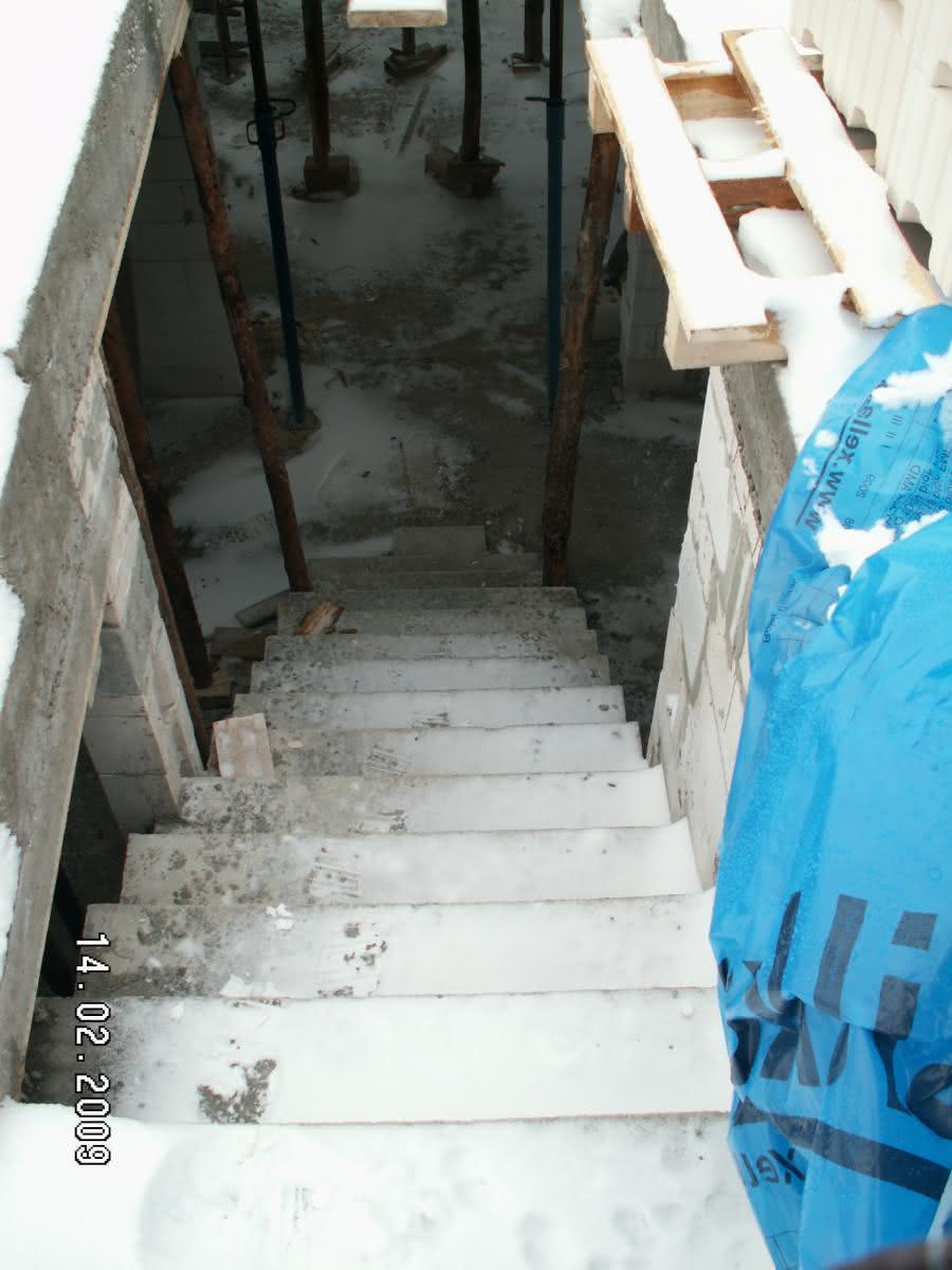 schody po wylaniu (widok ze spocznika)