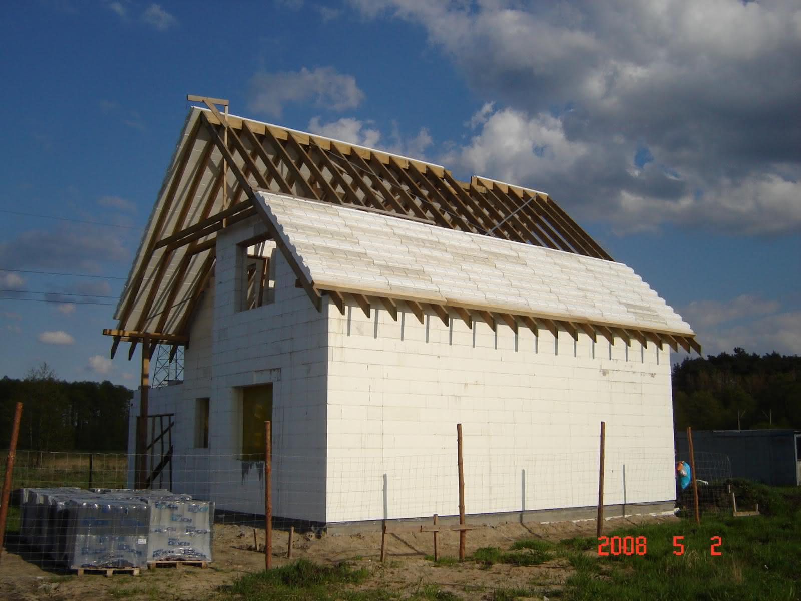 druga strona dachu i niedługo dachówka