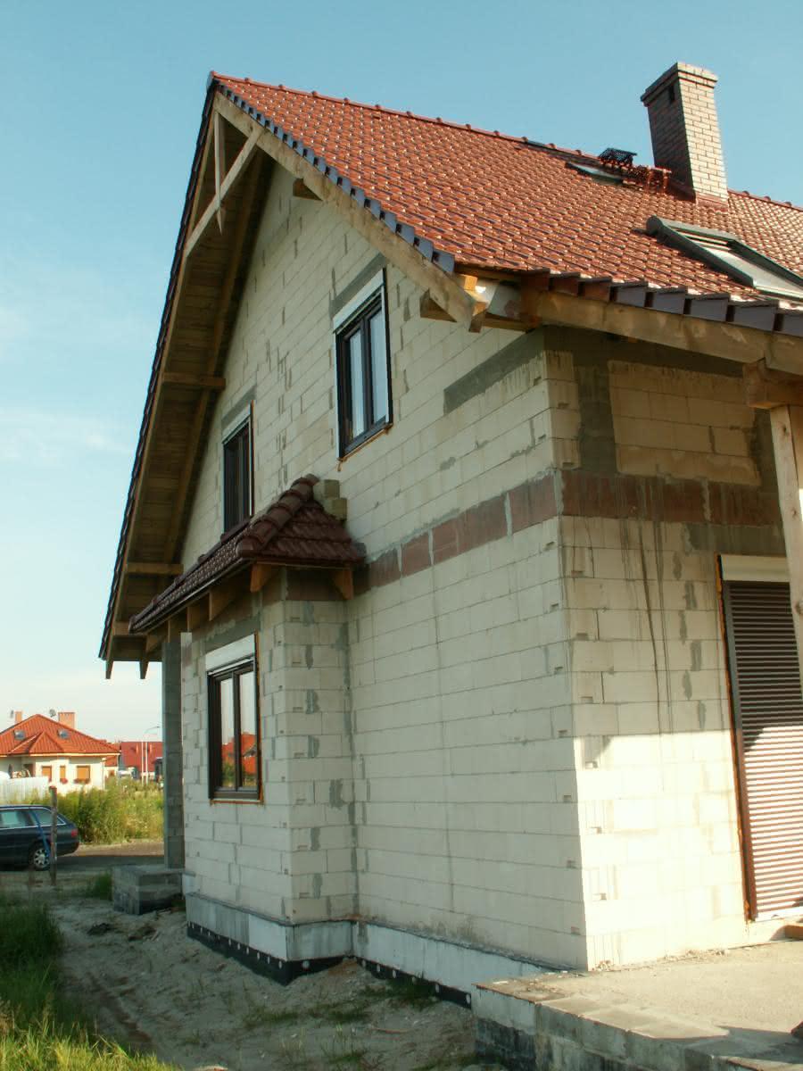 tył domu - część gospodarcza (wykusz)