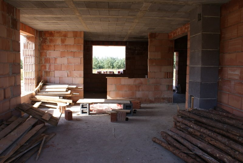 salon z widokiem na kuchnię