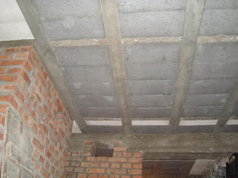 238.1 DSC00541 strop komin.JPG