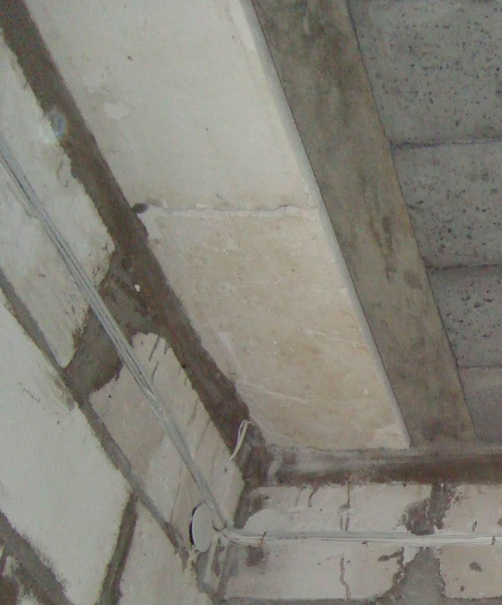 238.4 DSC00546 bloczek w stropie detal.JPG