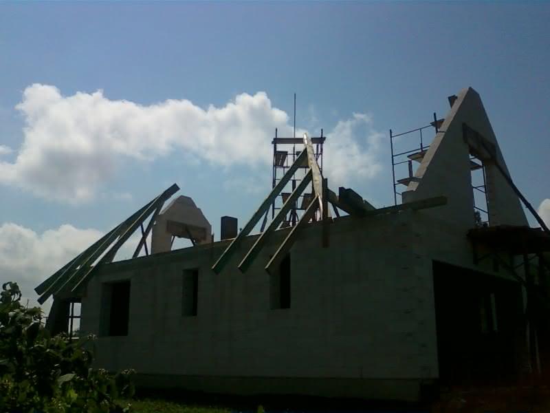 Rozpoczynamy dach :)