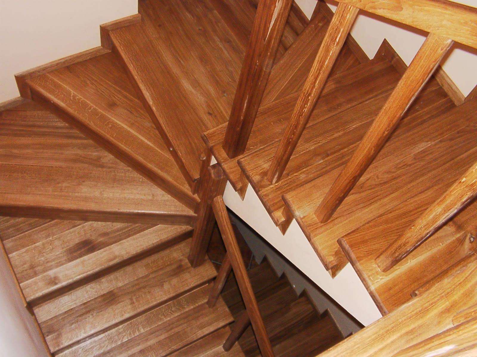 schody_debowe_sopran.jpg