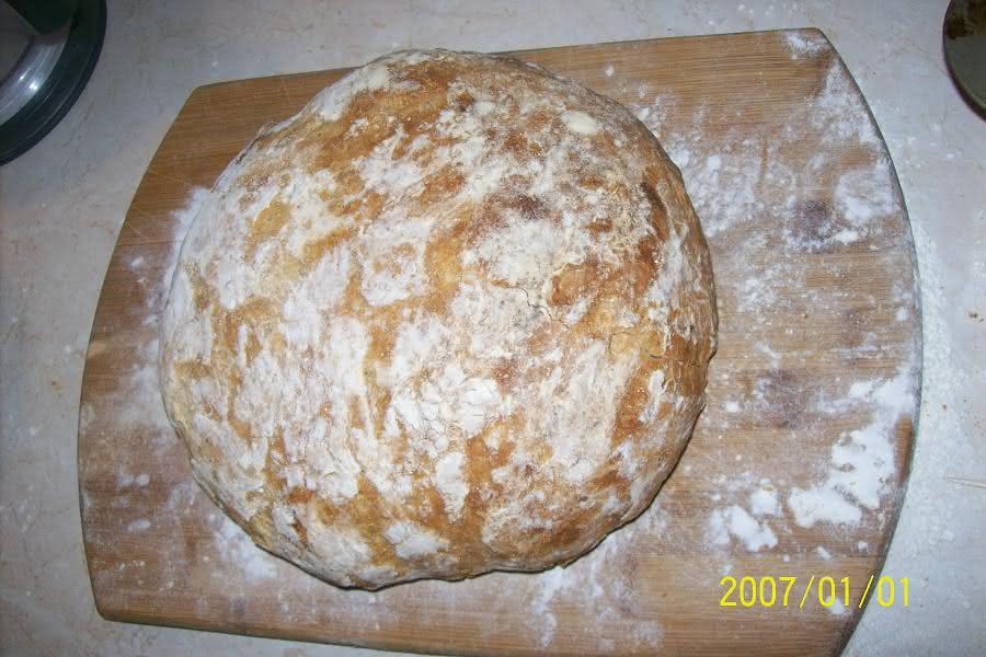 chlebek wiejski ręcznie formowany