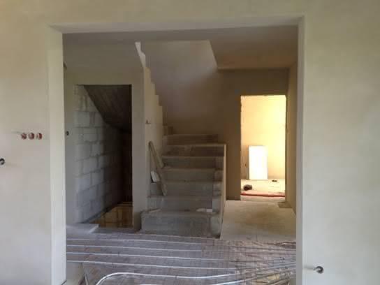 Widok od strony jadalni na schody