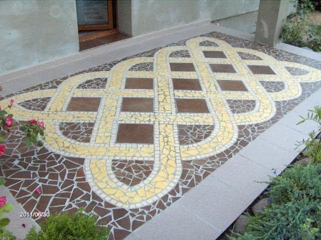 Mozaika z ceramiki na tarasie 3