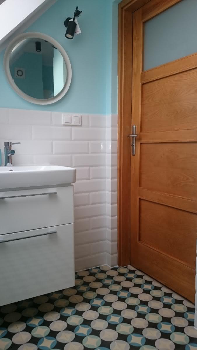 Płytki cementowe w  łazience