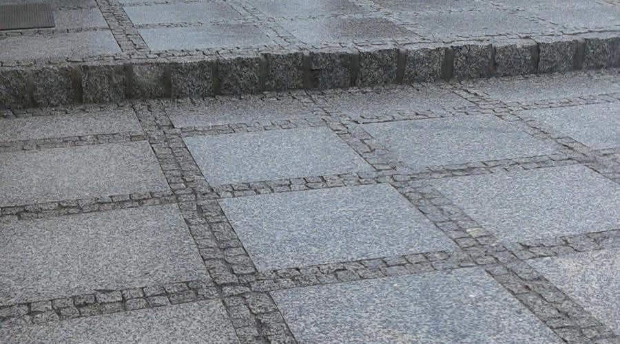plyty-granitowe-chodnikowe.jpg